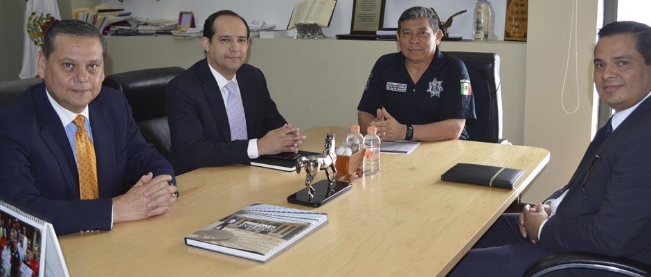 Secretario Seguridad- General Arturo Gutierrez Garcia-Milton Atil Chinchilla Peraza-Consul de El Salvador y Oscar Roberto Aguilar Inestroza-Consul de Honduras