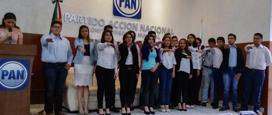 TOMA DE PROTESTA jovenes estudiantes PAN-DESTACADA