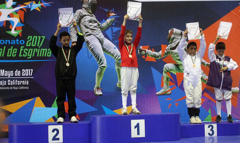 Angel Gallegos-medalla plata Tijuana-premiacion-