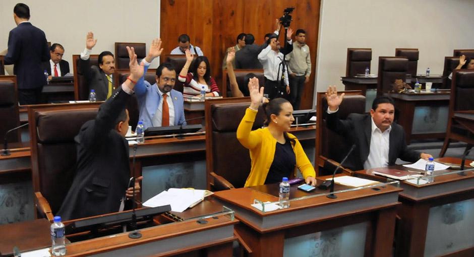 Nombran Hemeroteca del Poder Legislativo en Zacatecas -Centenario de la Constitución Política de 1917-